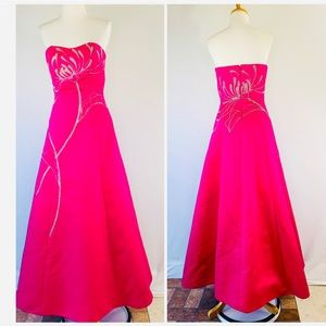 Sean Collection Taffeta Beaded Ball Gown NWOT Sz S